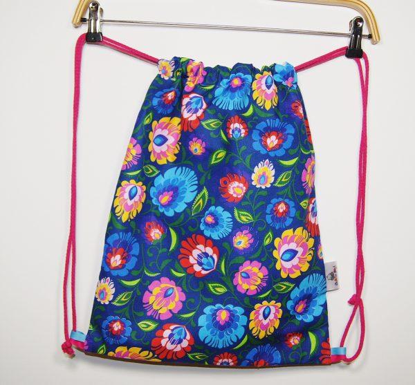 worek plecak na kapcie z kwiatami